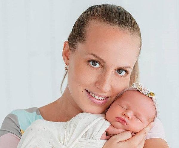 Отзыв Положительный Алина Дорохова с малышом
